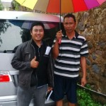 Foto Penyerahan Mobil 2 Sales Marketing Dealer Daihatsu Semarang Hengki - OtoBaru