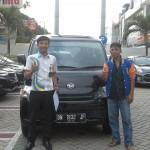 Foto Penyerahan Unit 7 Sales Marketing Mobil Dealer Daihatsu Pekanbaru Yudhi