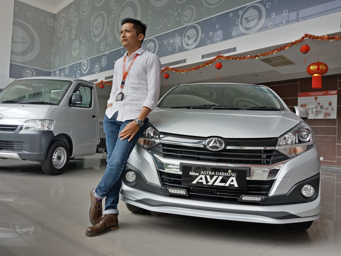 Sales Marketing Mobil Dealer Daihatsu Yudi