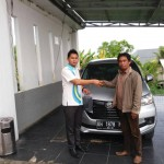 Foto Penyerahan Unit 1 Sales Marketing Mobil Dealer Mobil Daihatsu Palangkaraya Vanly