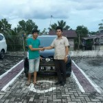 Foto Penyerahan Unit 4 Sales Marketing Mobil Dealer Mobil Daihatsu Palangkaraya Vanly