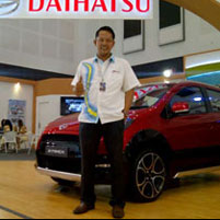 Sales Marketing Mobil Dealer Daihatsu Surabaya