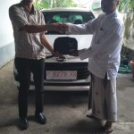 Foto Penyerahan Unit 4 Sales Marketing Mobil Dealer Daihatsu Robby