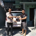 Foto Penyerahan Unit 6 Sales Marketing Mobil Dealer Daihatsu Robby