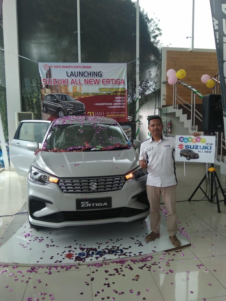 Sales Marketing Mobil Dealer Suzuki Ade