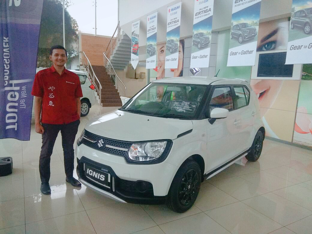 Sales Marketing Mobil Dealer Suzuki Angga